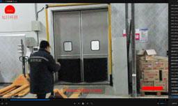 不锈钢碰撞门视频截图